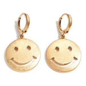 NWT *BOUTIQUE*  ADORABLE SMILEY FACE EARRINGS